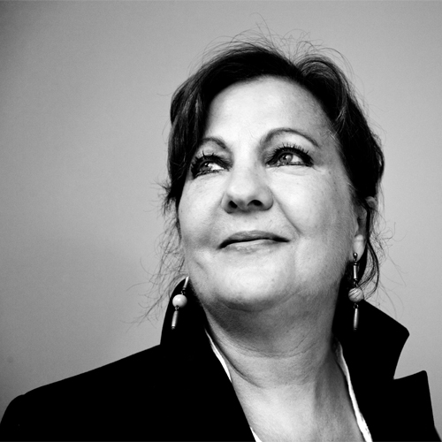 Carmen Linares